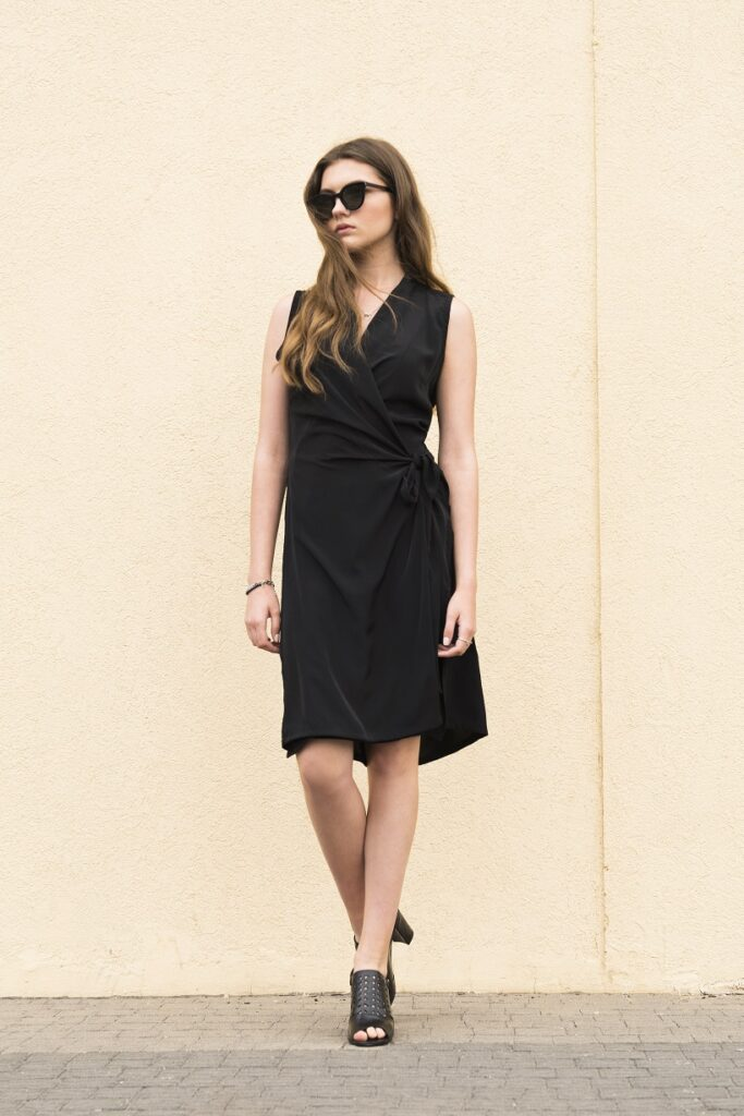 blackdress1840x1228